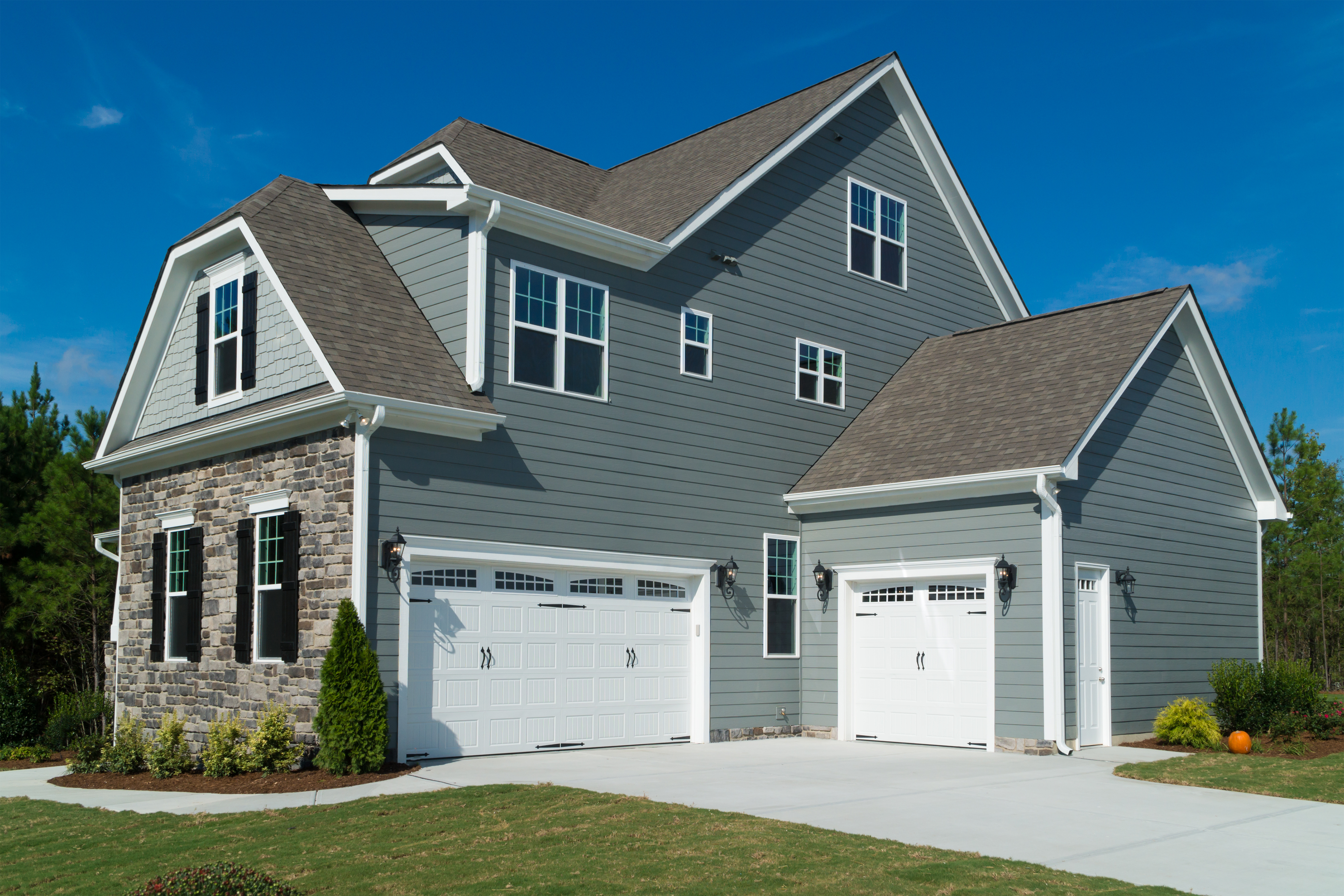 Summer and Your Siding: Can It Handle the Heat?